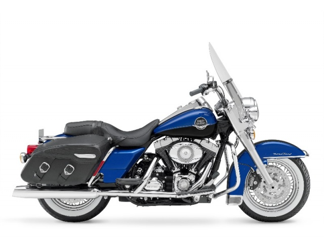 2008 Harley-Davidson - Models Announced (08_FLHRC_Road King Classic.jpg)