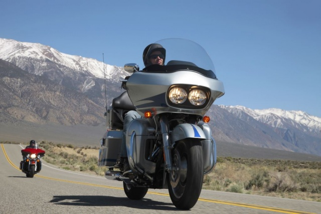 2011 H-D FLTRU Road Glide® Ultra On The Road
