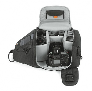 Lowepro Slingshot 200 All Weather Backpack Standard Access: Photo courtesy of and copyright by Lowepro USA