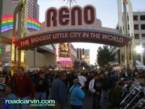 Dusk in Reno - heading into downtown (VIII)