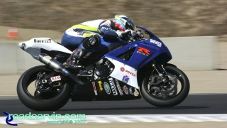 2007 Corona AMA Superbike Championship - Racing World GSX-R1000: Wheelie between turn 2 and 3.