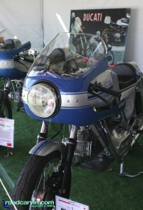 1977 900SS: I really like the blue and silver paint scheme on this 1977 Ducati 900SS.