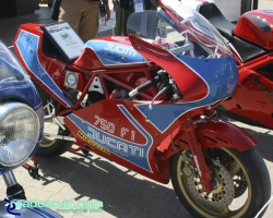 2007 Ducati Superbike Concorso - 1983 Ducati TT1 Right Side