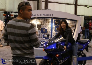Trying one on for size - Yamaha R1: A guy and his gal trying out a Yamaha R1