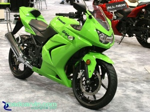 2007 Cycle World IMS - 2008 Kawasaki Ninja 250R Side
