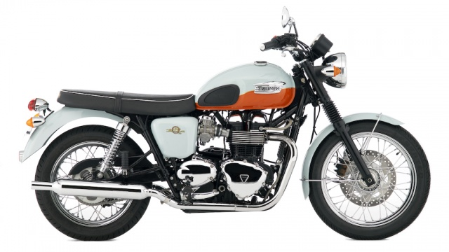 2009 Triumph T100 Bonneville 50th Anniversary - Right Side
