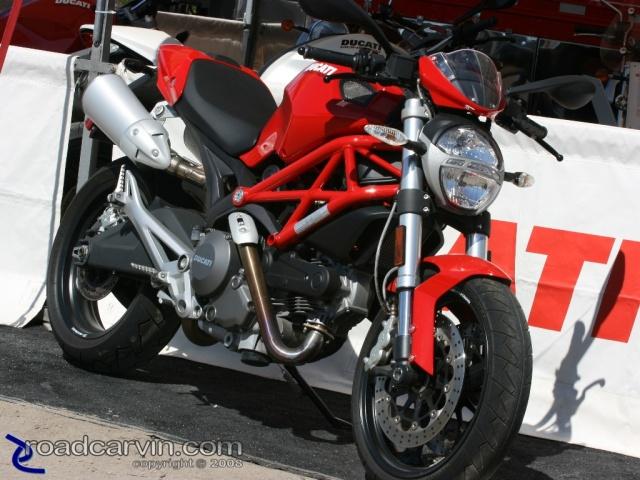 Ducati 2009. 2009 Ducati Monster - 1100