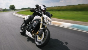 2009 Triumph Street Triple - On the Track