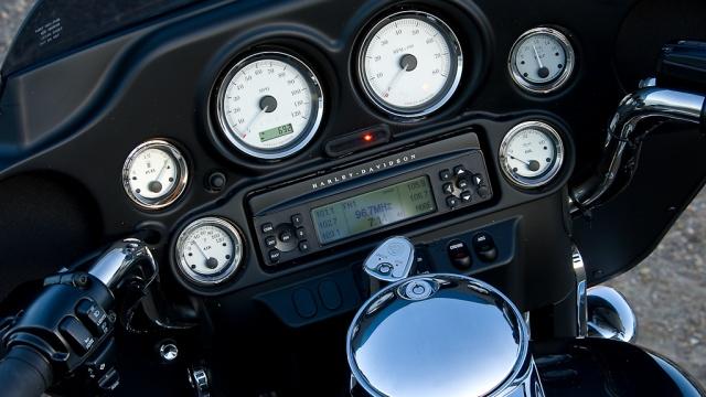 2009 Harley-Davidson - FLHX Street Glide Gauges