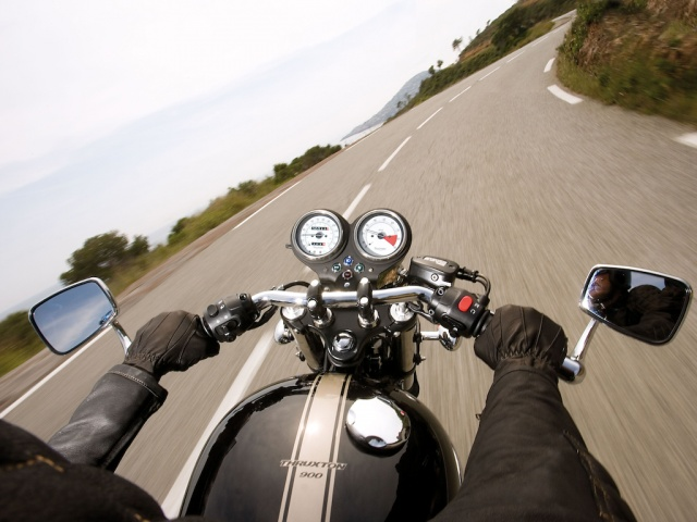 2009 Triumph Thruxton - On the Road