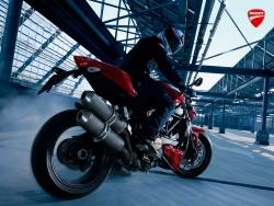 2010 Ducati Streetfighter - Burnout