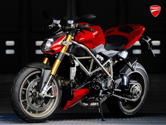 2010 Ducati Streetfighter - Left Side