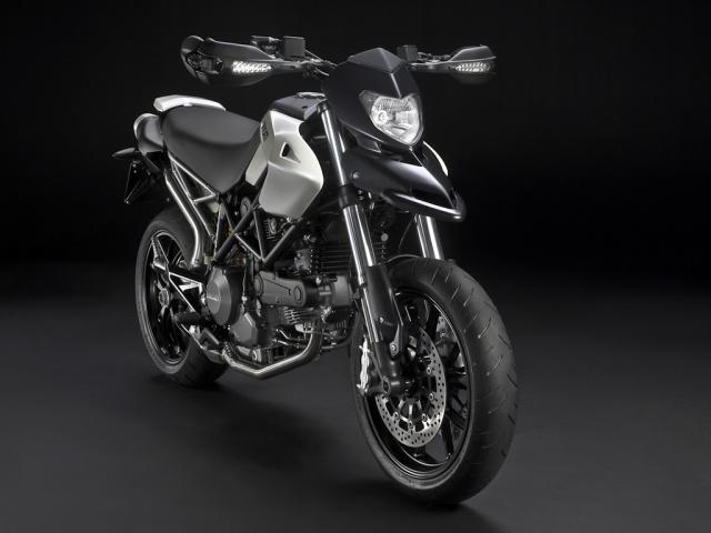 2010 Ducati Hypermotard  796 - 3/4 Front Right