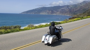 2009 Harley-Davidson CVO Road Glide - Highway One Cruise
