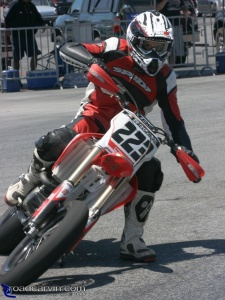 2008 AMA Test - Supermoto USA - Don't Look at the Photographer