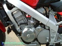 Mike's Hawk GT - Motor photos (Engine02.jpg)