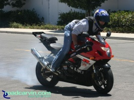 GSXR-1000 - Rolling Burnout: GSXR-1000 Smokin' rolling burnout, nothing like liter bike horsepower.