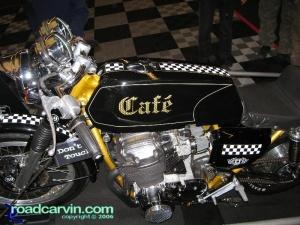 Cafe 750
