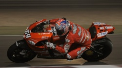 2009 MotoGP Qatar Test - Nicky Hayden - Hanging Off