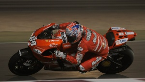 2009 MotoGP Qatar Test - Nicky Hayden - Hanging Off