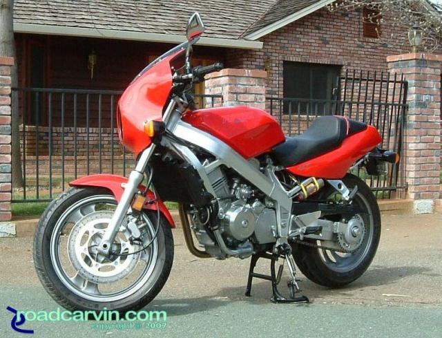 Mike's Hawk GT (NoBra01.jpg)