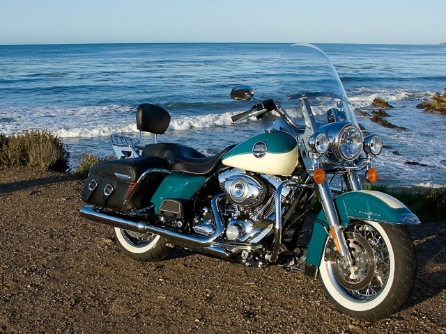2009 Harley-Davidson Road King Classic - Pacific Ocean