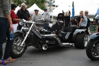V-8 powered trike: This bad-ass V-8 powered trike was pulling in lots of onlookers.