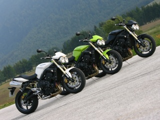 2008 Triumph Street Triple - Available Colors: 2008 Street Triples in Fusion White, Roulette Green and Jet Black.
