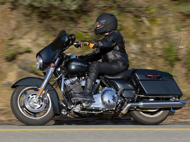 2009 Harley-Davidson Street Glide - Big Sur - Left Side