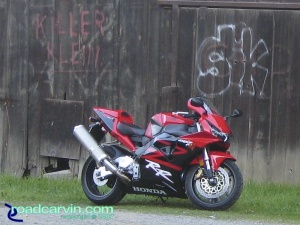 Friday Photo - Honda CBR954RR - Old Barn