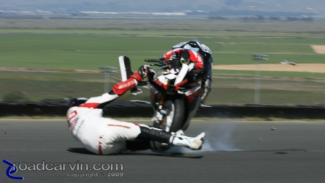 Daytona SportBike - Saturday Crash (4)