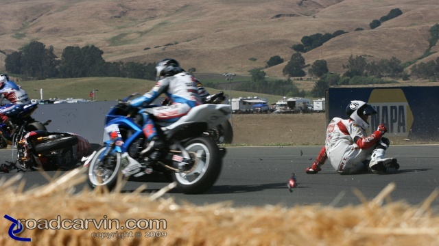 Daytona SportBike - Saturday Crash (9)
