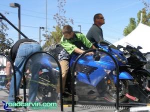 Kawasaki ZX14 duo on dyno drag run